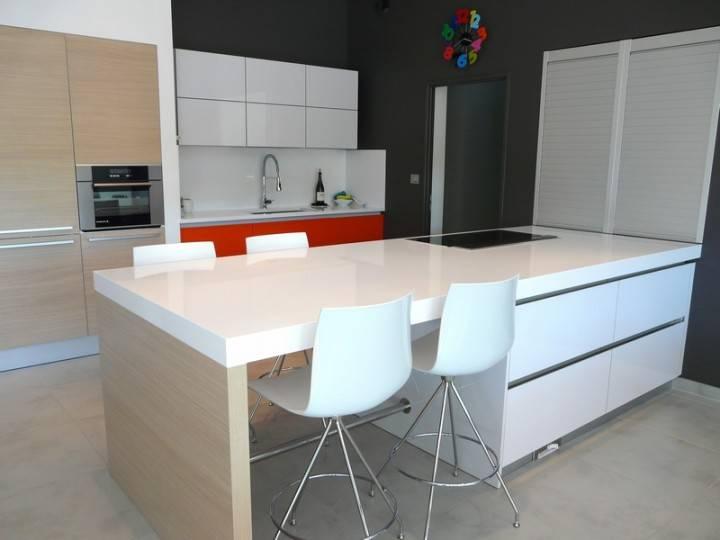 plan de travail resistant les plans de travail les crdences comptoir des bois panneau de bois. Black Bedroom Furniture Sets. Home Design Ideas