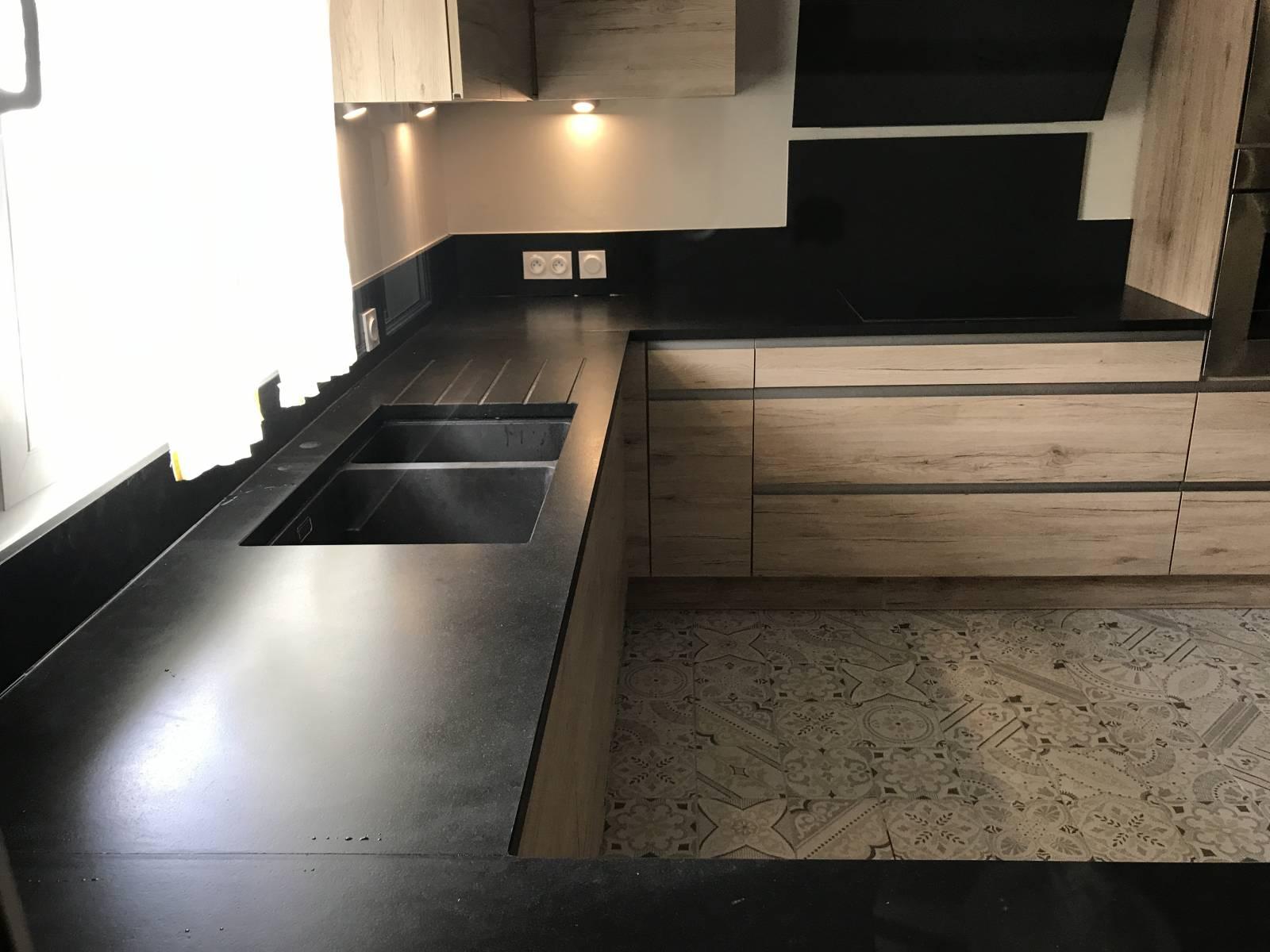 Granit Noir Zimbabwe, différentes finitions - Montpellier - ADGM
